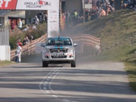twin-turbo-v12-toyota-hilux-is-one-serious-performance-truck