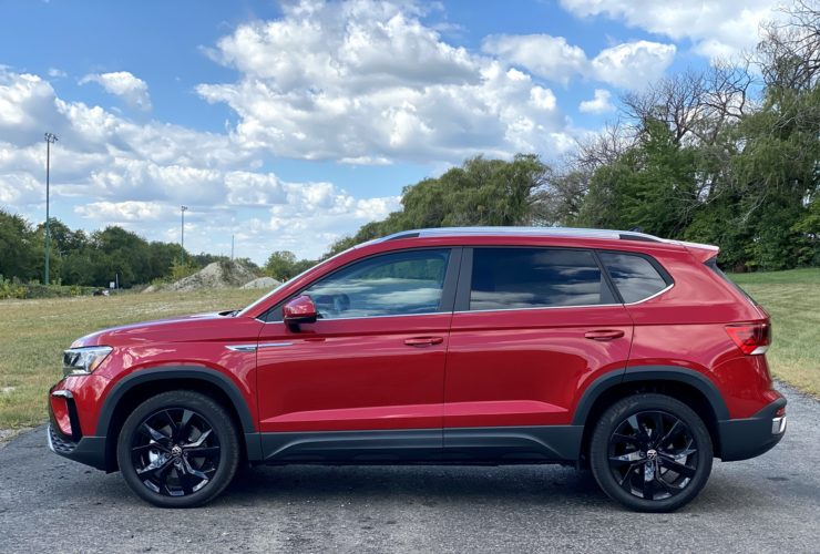 2022-volkswagen-taos-revisited,-hennessey-venom-targets-trx,-lucid-air-tops-ev-range:-what's-new-@-the-car-connection