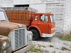 forgotten-international-loadstar-coe-truck-comes-back-to-life,-345-v8-doesn't-disappoint