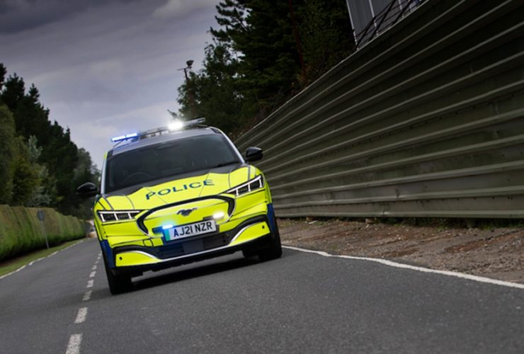 british-and-american-police-evaluating-all-electric-ford-mustang-mach-e