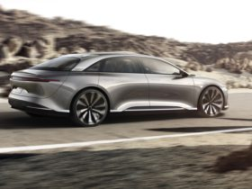 the-lucid-air's-epa-range-does-not-only-debunk-tesla:-it-also-matches-ice