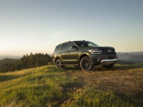 preview:-2022-ford-expedition-adds-timberline,-stealth-performance-models