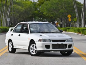 this-imported-mitsubishi-lancer-evo-ii-is-a-classic-americans-could-never-buy,-until-now