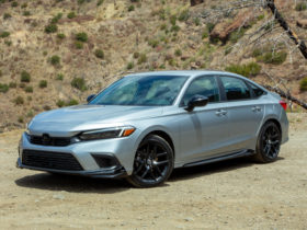2022-honda-civic-sedan-and-hatch-earn-top-safety-pick+-honors