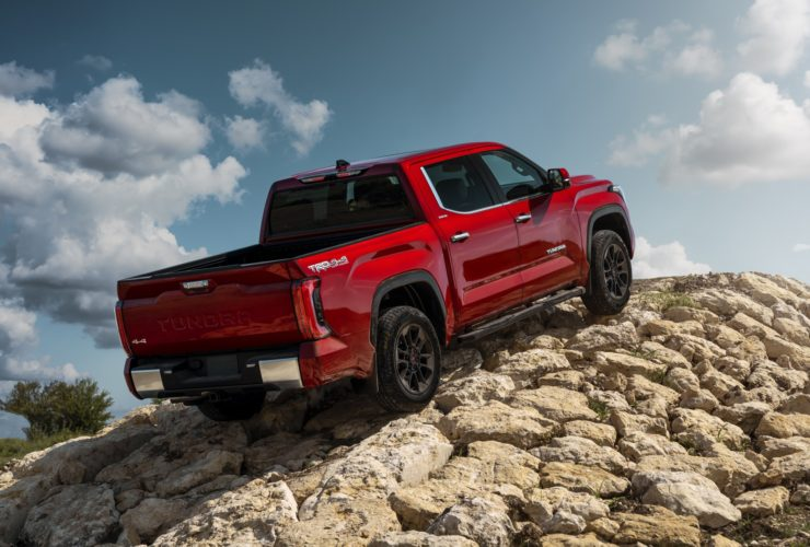 2022-toyota-tundra,-chrysler's-new-ceo,-2022-porsche-911-gts:-the-week-in-reverse