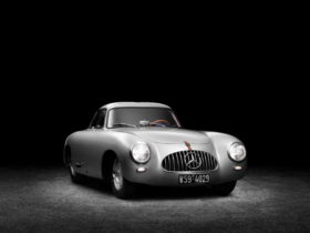 oldest-mercedes-benz-sl-in-existence-is-a-work-of-art:-the-legend-lives-on