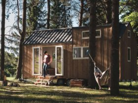 heim-(home)-micro-house-shows-a-mobile-dwelling-done-right-–-requires-towing-rig