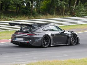 2023-porsche-911-gt3-rs-is-both-the-end-of-an-era-and-a-game-changer