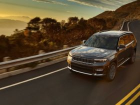 jeep-issues-2021-grand-cherokee-l-recall-over-malfunctioning-software