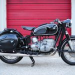 this-divine-1964-bmw-r50/2-looks-seriously-rad-wearing-curvy-saddlebags
