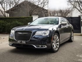 2019-2021-chrysler-300-recalled-with-windscreen-fault