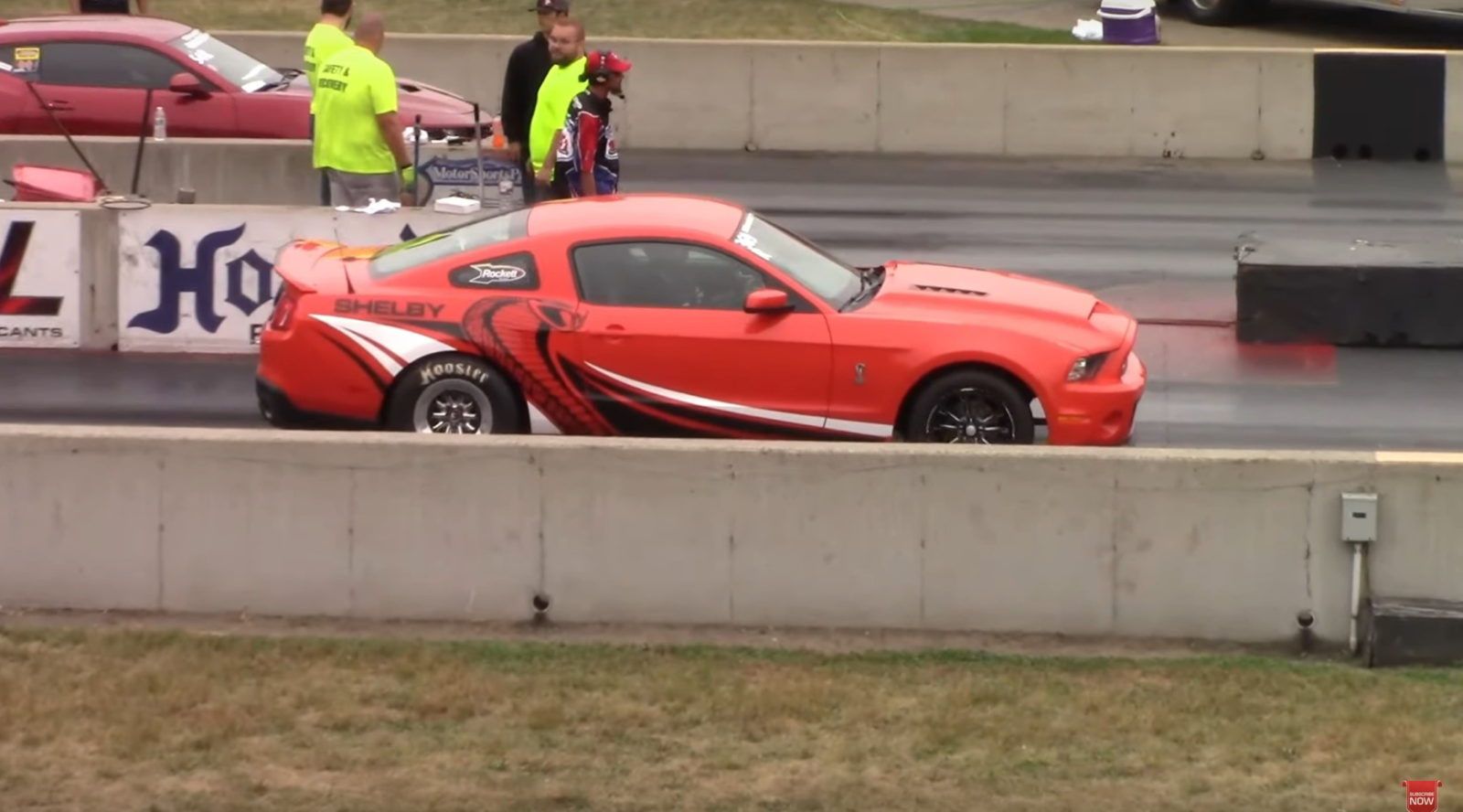 2011-ford-mustang-shelby-gt500-goes-drag-racing,-can-old-dogs-learn-new-tricks?
