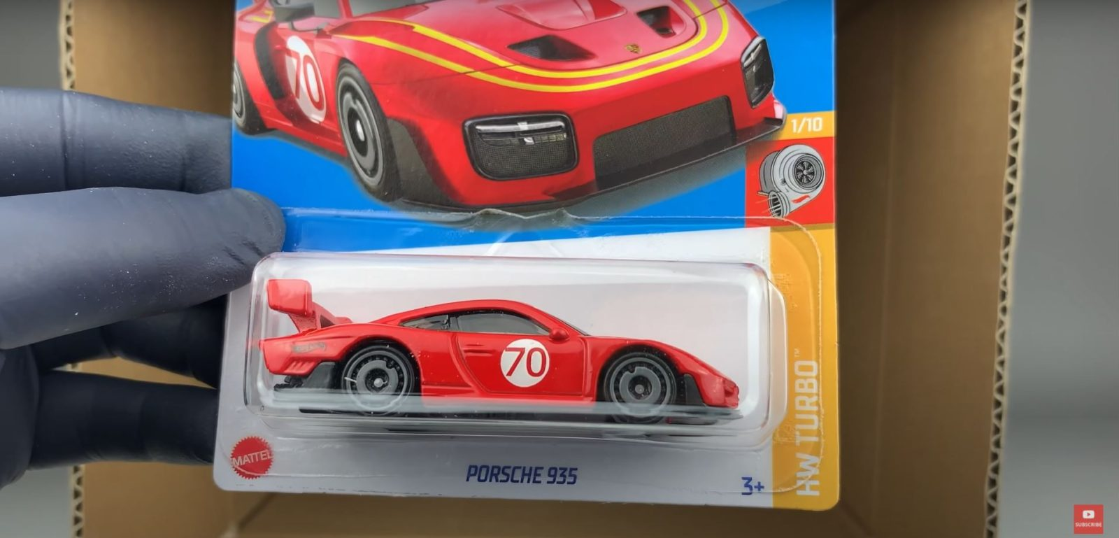 inside-the-first-2022-hot-wheels-case,-new-cars-revealed
