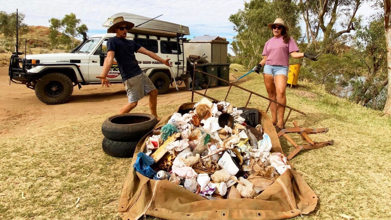 a-young-couple,-an-old-landcruiser-and-61,000-kilograms-of-rubbish