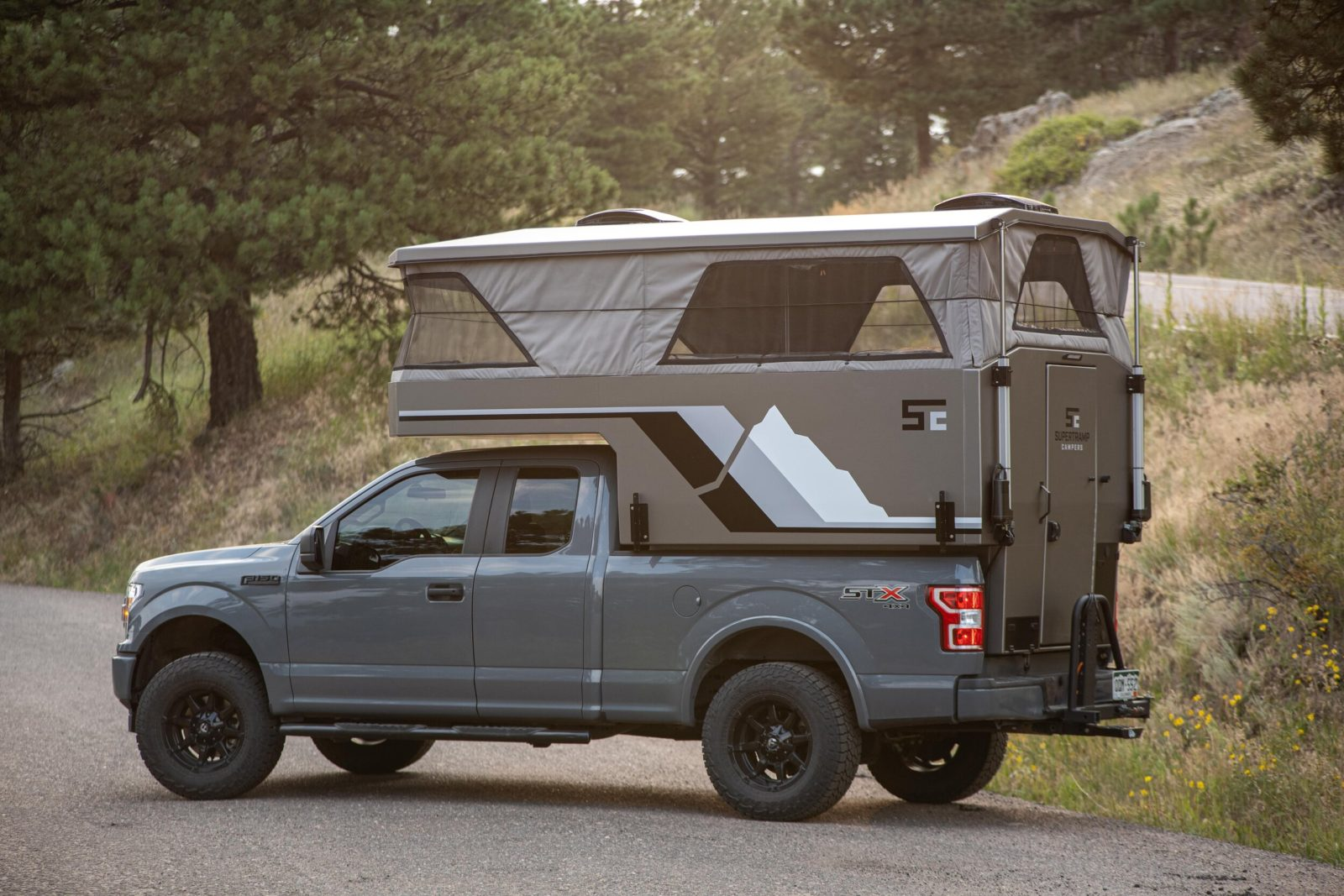 supertramp-flagship-lt-camper-fits-any-full-size-truck,-is-light-but-fully-equipped