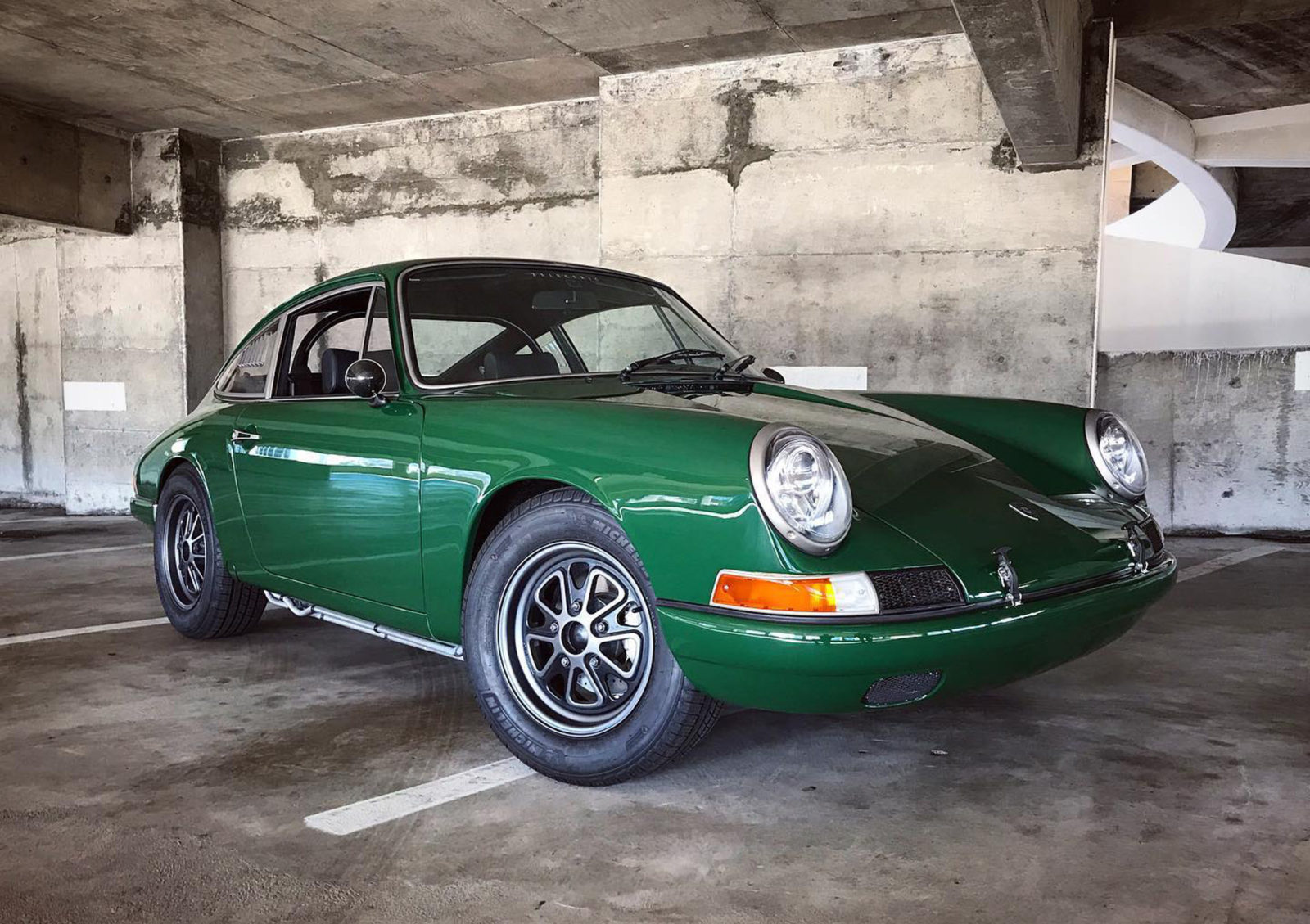 jay-leno-drives-an-electric-porsche-912-built-by-zelectric
