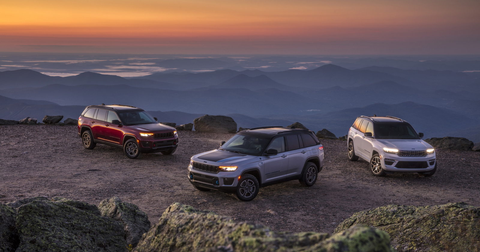 new-2022-jeep-grand-cherokee-is-here,-adds-mild-hybrid-options