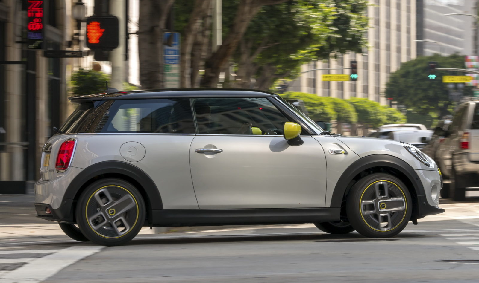 most-americans-would-now-consider-an-electric-car-as-their-primary-vehicle,-says-mini