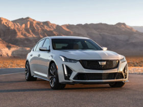 ct5-v-blackwing:-cadillac's-most-powerful-car-ever-has-668-hp-and-a-manual-transmission