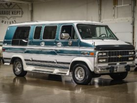 groovy-summit-white-and-turquoise-1994-chevy-g20-is-cheap-and-road-trip-ready