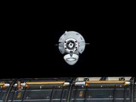 cargo-dragon-opens-wide-as-it-approaches-the-international-space-station
