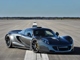 remembering-the-time-when-the-hennessey-venom-gt-was-the-fastest-car-you-could-drive