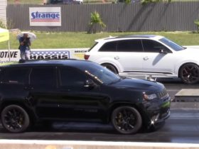 jeep-grand-cherokee-trackhawk-races-audi-sq7,-watch-as-germany-bows-down-to-america