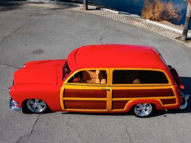 1951-ford-woody-wagon-is-a-real-beast,-doesn't-show-it
