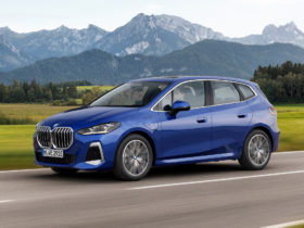 preview:-2022-bmw-2-series-active-tourer-adopts-sportier-look-with-redesign