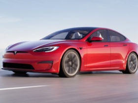 tesla-model-s-plaid-likely-delayed-until-2023-in-australia