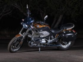 here's-a-glamorous-2002-bmw-r-1200-c-sporting-200,000-faceted-swarovski-crystals