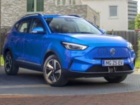 2023-mg-zs-ev-facelift-revealed,-due-in-australia-in-late-2022