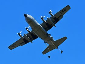 """yes,-those-are-humans-""""dangling""""-from-the-c-130-hercules,-but-they-do-it-on-purpose"""