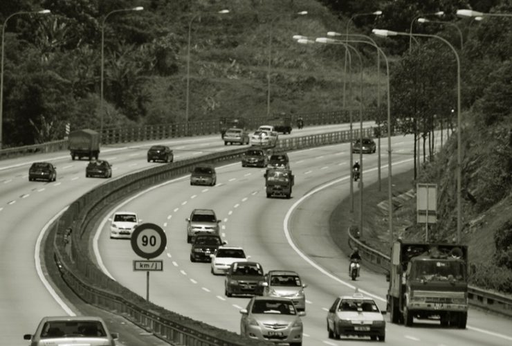 driving-long-distances-soon?-be-sure-to-check-your-vehicle-first-to-avoid-unnecessary-problems