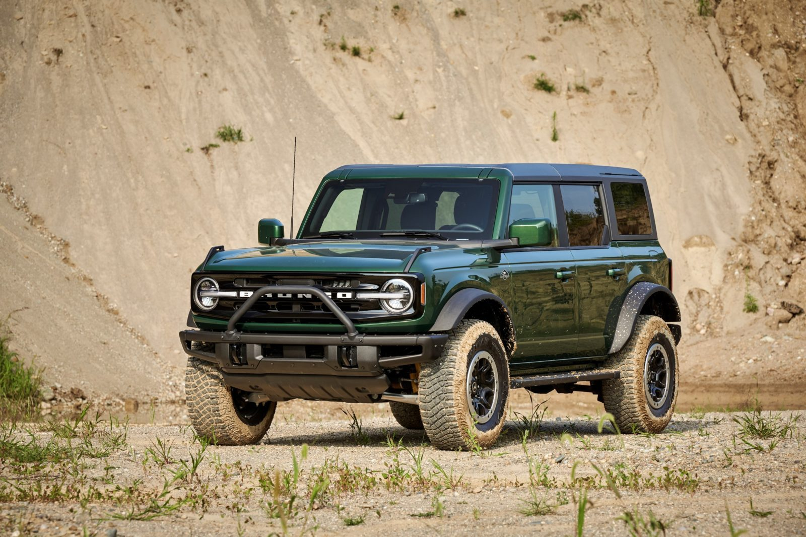 2022-ford-bronco-ordering-starts-october-13th,-msrp-reportedly-kicks-off-at-$29,300