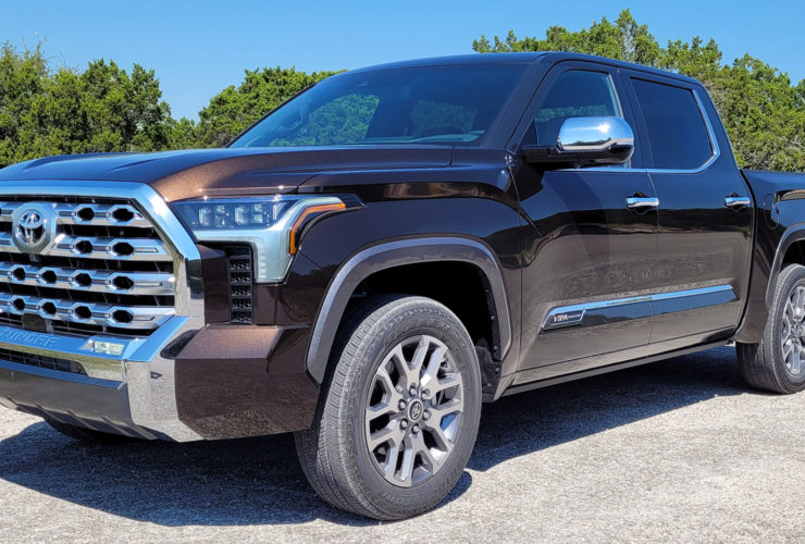 driven:-the-2022-toyota-tundra-is-a-tougher,-more-capable-pickup-with-available-hybrid-power