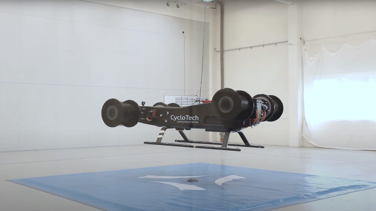 a-different-kind-of-vtol-nails-its-first-test-flight,-uses-a-new-type-of-thrust-system