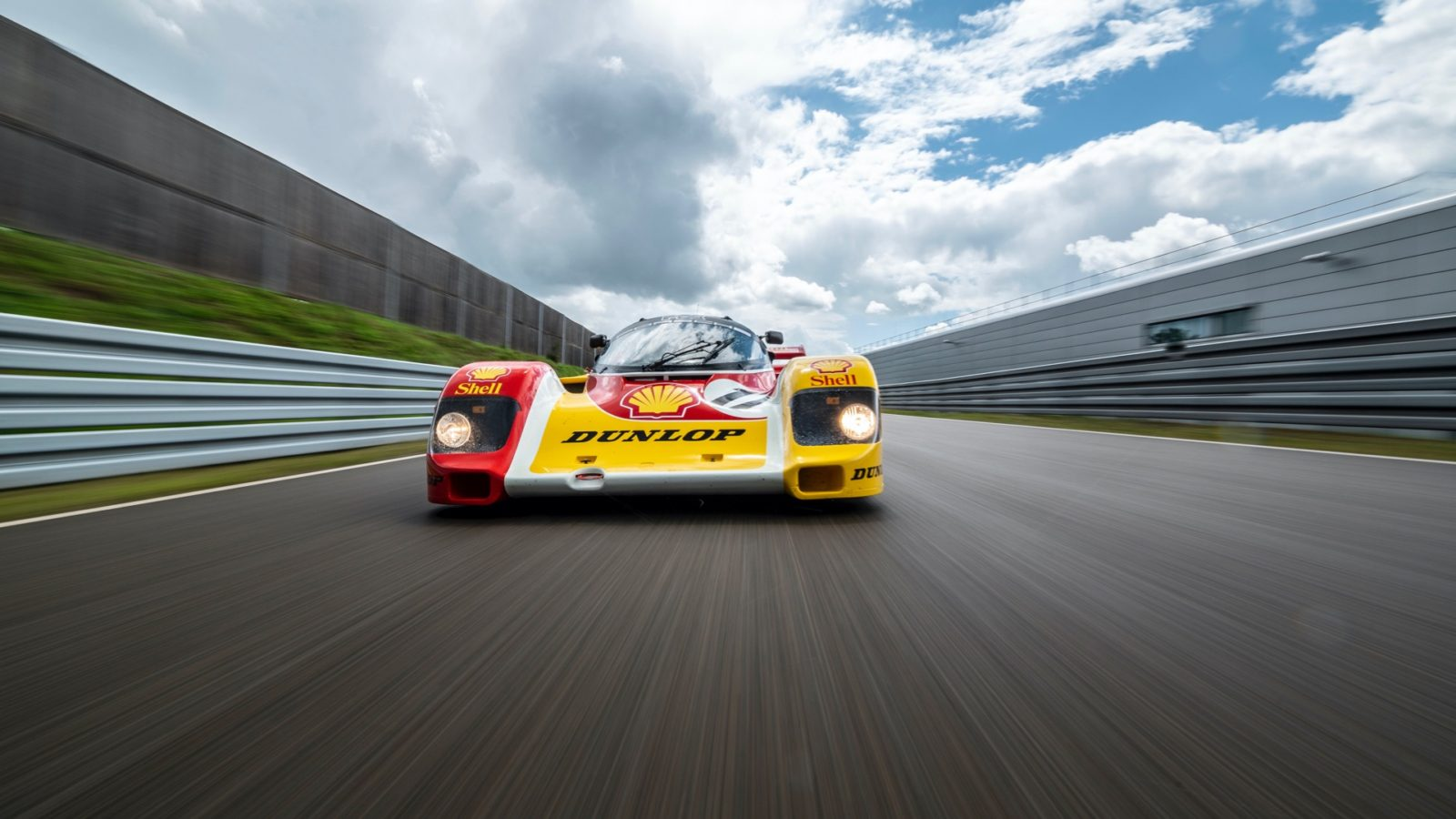 porsche-spent-a-year-and-a-half-restoring-the-962-c-to-its-original-condition