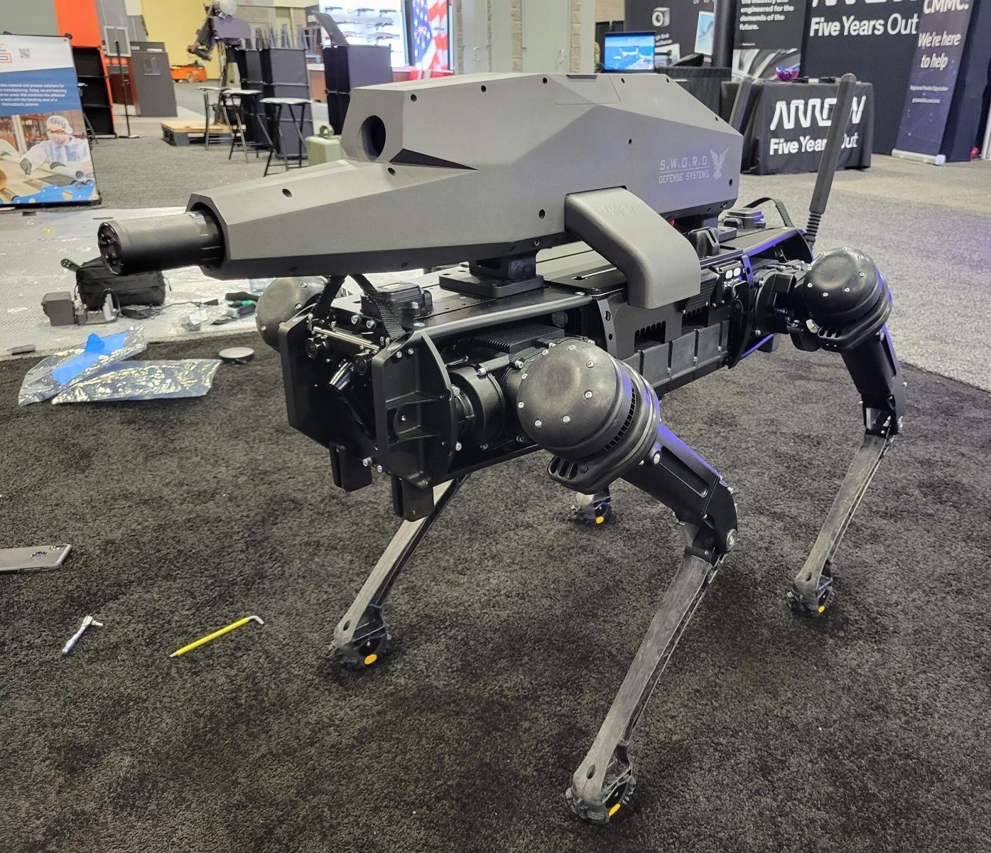 somebody-put-a-rifle-on-a-robot-dog-and-it's-definitely-intimidating