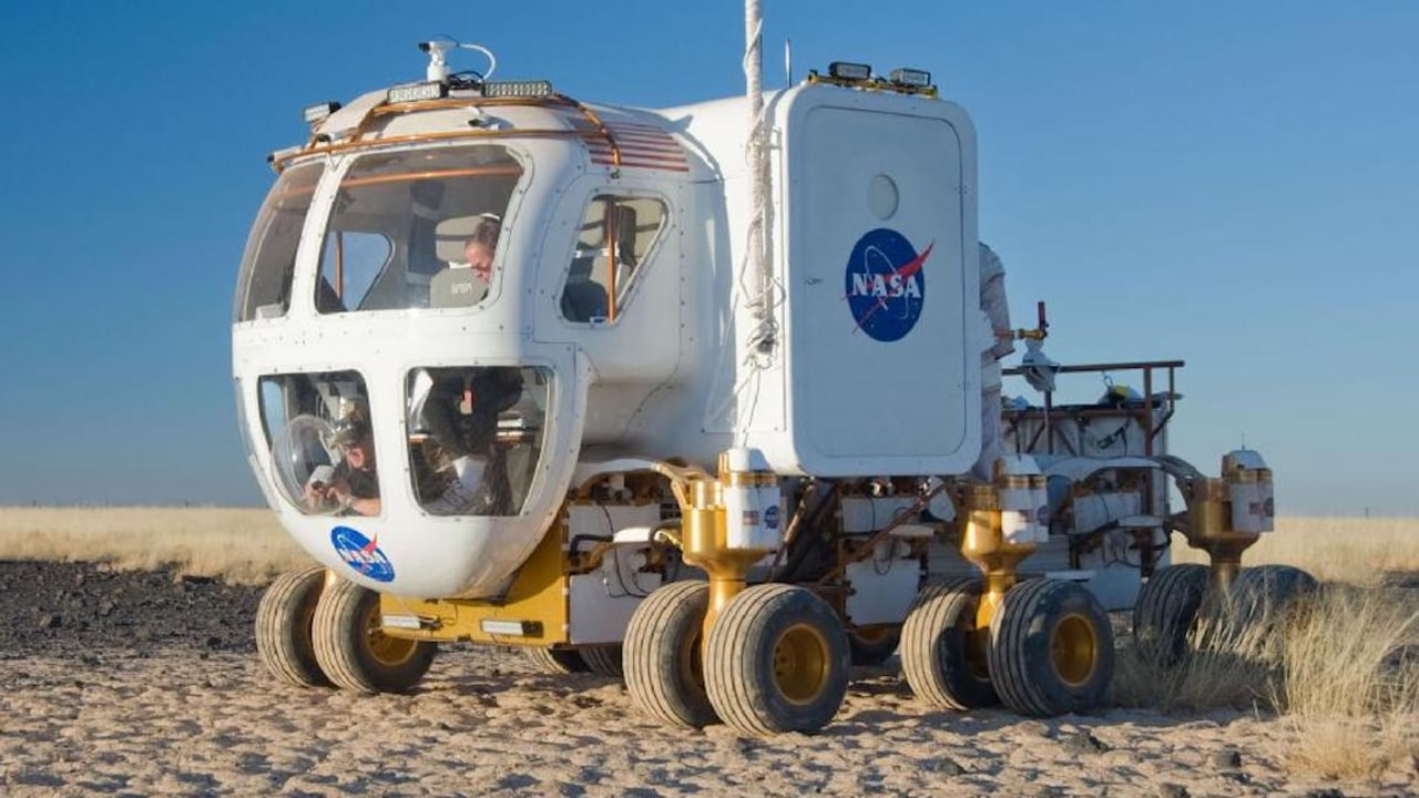 nasa-commissions-australian-built-lunar-rover-for-upcoming-moon-mission