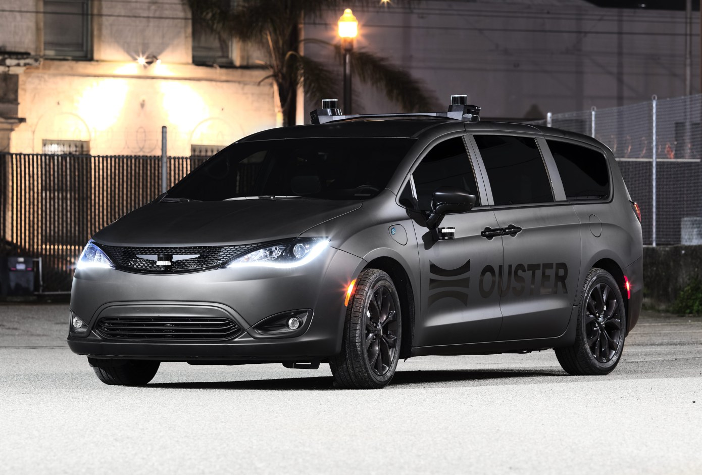 ouster-lidar-starts-automotive-division,-challenges-argo.ai-and-waymo
