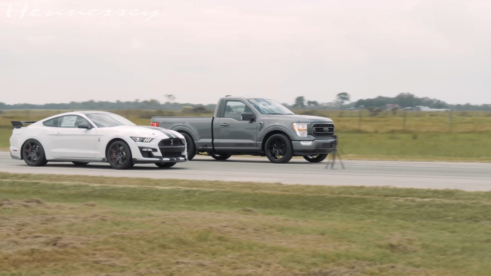 """tuned-2021-ford-f-150-drags-mustang-gt500-and-""""freight-train""""-seems-unstoppable"""