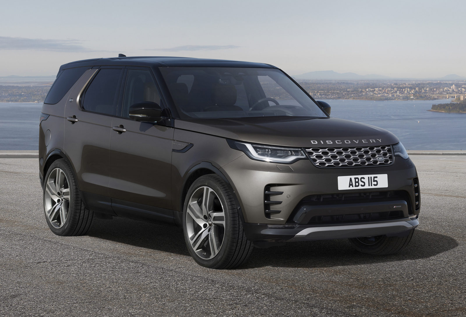 preview:-2023-land-rover-discovery-gains-range-topping-metropolitan-edition