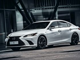 updated-2021-lexus-es-250-available-in-3-variants-(w/video)