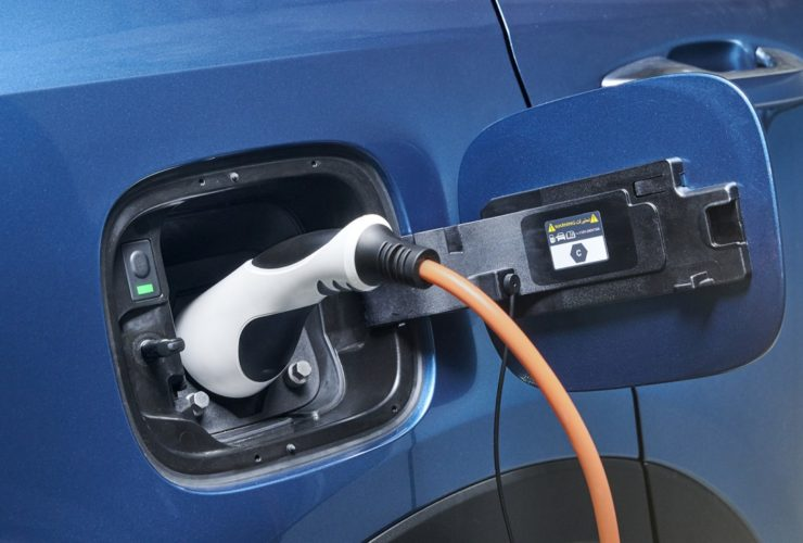 electric-vehicle-owners-travel-further-than-those-driving-petrol-or-diesel-cars,-study-finds