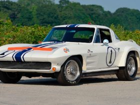 1963-chevrolet-corvette-gulf-one-has-most-impressive-racing-pedigree,-sells-with-extras