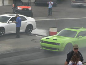 challenger-redeye-vs.-chrysler-300-drag-race-will-make-you-say-'what-the-heck-happened?'